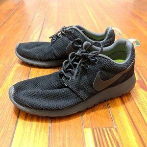 Black Nike Roshe with Aqua/Mint Accents